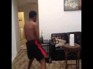 Vine - When that beat drop