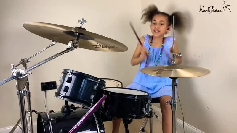Nandi Bushel барабанщица